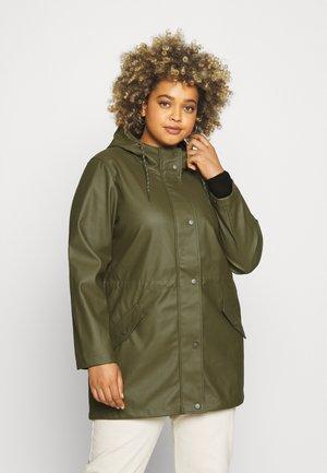VMMALOU COATED - Waterproof jacket - ivy green