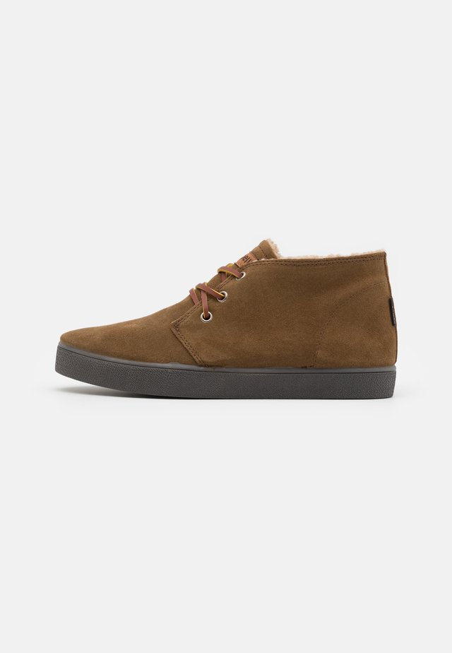 CATALINA HYDRO - Casual lace-ups - brown/antracite