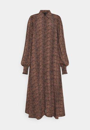 YASLAIVO DRESS - Shirt dress - mocha mousse