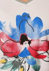 Alba Moda - Print T-shirt - weiß rot blau gelb - 4
