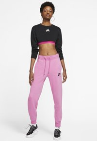 Nike Sportswear - AIR PANT - Tracksuit bottoms - magic flamingo/ice silver - 1