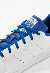 adidas Originals - STAN SMITH - Trainers - footwear white/royal blue - 2