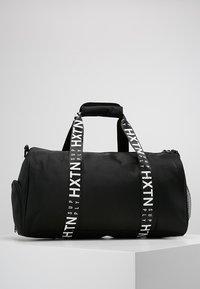 HXTN Supply - PRIME DUFFLE - Sportovní taška - black - 2