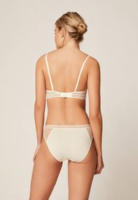 OYSHO - PUSH UP BH AUS MIKROFASER  - Push-up BH - white
