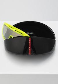 Prada Linea Rossa - Solbriller - fluo yellow rubber - 2