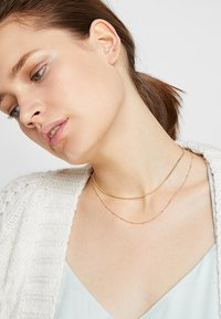 Orelia - SATELLITE AND FLAT CURB CHAIN SET - Necklace - gold-coloured - 1