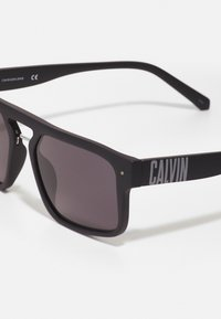 Calvin Klein Jeans - UNISEX - Sunglasses - matte black - 3