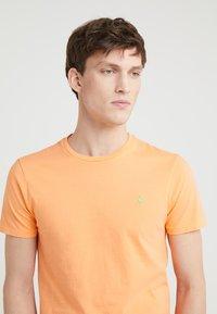 Polo Ralph Lauren - T-shirts basic - key west orange - 4