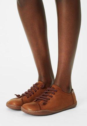 PEU CAMI - Stringate sportive - medium brown