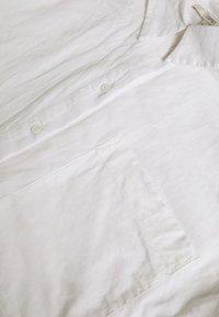 Esprit - PLAIN - Button-down blouse - white - 2