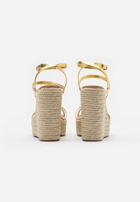 Topshop - WILLA WEDGE - Sandales à talons hauts - gold - 3