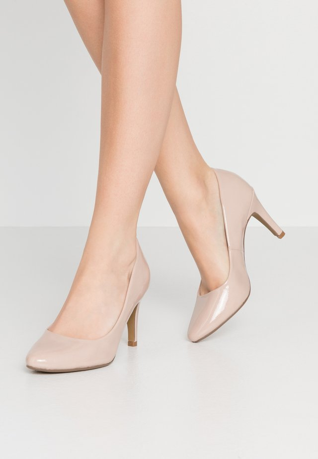 DEEDEE TOECOMFORT COURT - Zapatos altos - nude