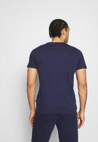 Puma - EMBROIDERY LOGO TEE - T-shirt basique - peacoat - 2