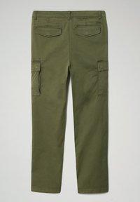 Napapijri - MOTO - Cargo trousers - green cypress - 7
