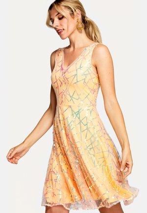 Sukienka koktajlowa - orange