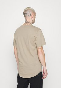 Only & Sons - ONSMATT - T-shirt - bas - chinchilla