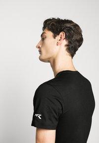 Hackett Aston Martin Racing - TEE - Print T-shirt - black - 4