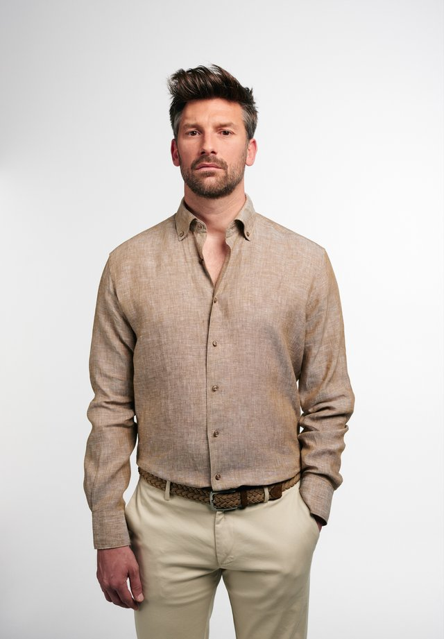 MODERN FIT - Overhemd - caramel