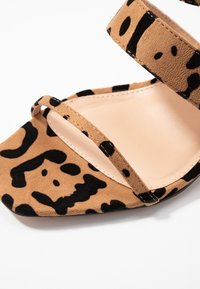 Topshop Wide Fit - WIDE FIT DITA STRAP - Sandals - brown - 2