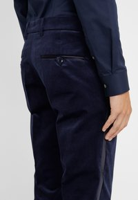 DRYKORN - Q-BELLAC - Completo - navy - 7