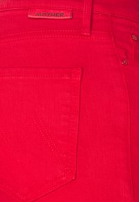 Mother - THE DAZZLER ANKLE - Straight leg jeans - mars red - 2