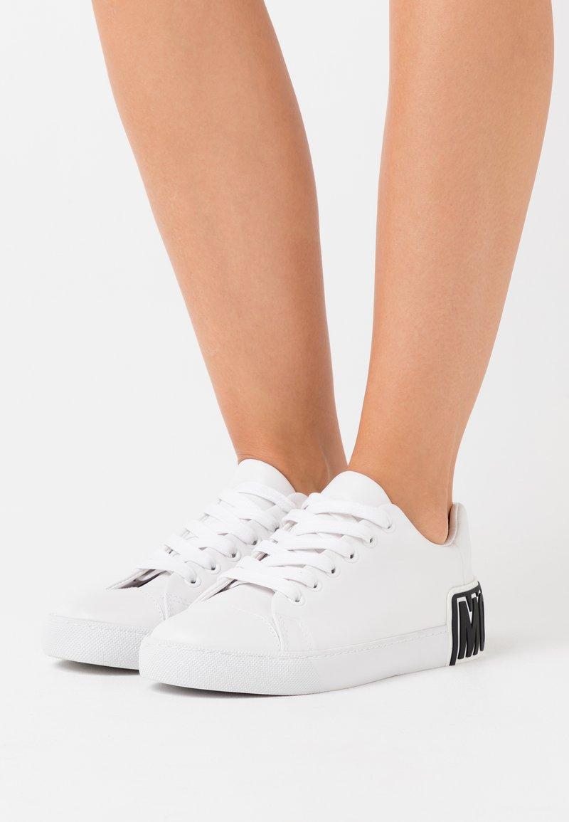 MOSCHINO - Sneakers - bianco