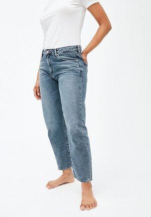 FJELLAA CROPPED - Straight leg jeans - light vintage
