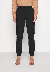 ONLY - ONLMADEA - Pantaloni cargo - black - 0