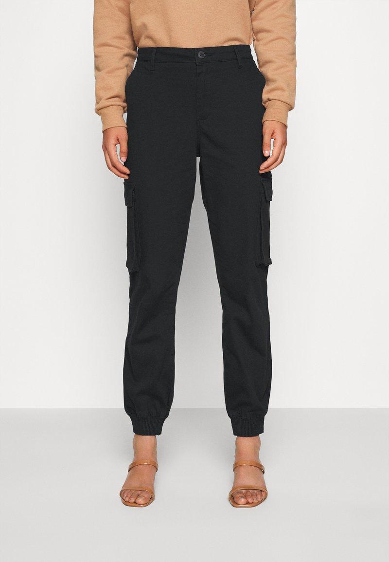 ONLY - ONLMADEA - Pantaloni cargo - black