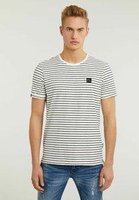 CHASIN' - SHORE - Print T-shirt - white - 0