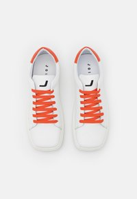 Joshua Sanders - EXCLUSIVE SQUARED SHOES  - Sneaker low - white/orange - 4