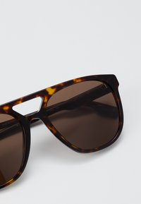 Burberry - Sunglasses - dark havana - 4