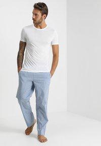 Zalando Essentials - Nattøj bukser - blue - 1
