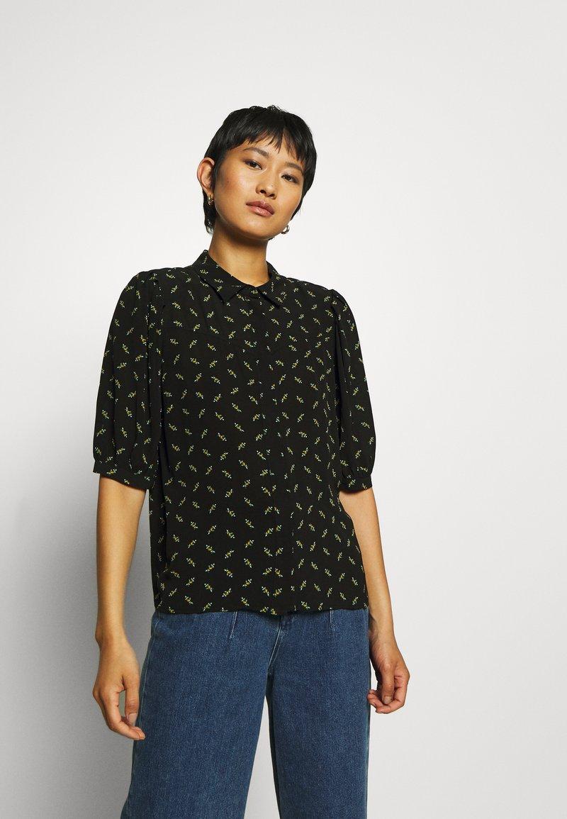 Gestuz - BELINAGZ SHIRT - Button-down blouse - black