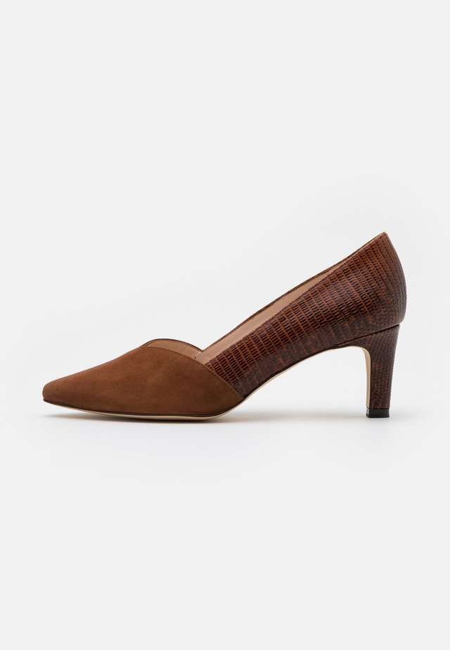 MARISA - Klassiske pumps - sable