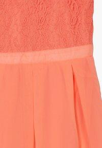 Lemon Beret - FESTIVE DRESS  - Cocktail dress / Party dress - living coral - 3