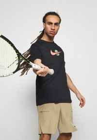 Nike Performance - TEE TENNIS - Print T-shirt - black - 3