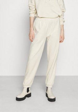 PLAY BRUSHED - Teplákové kalhoty - off-white