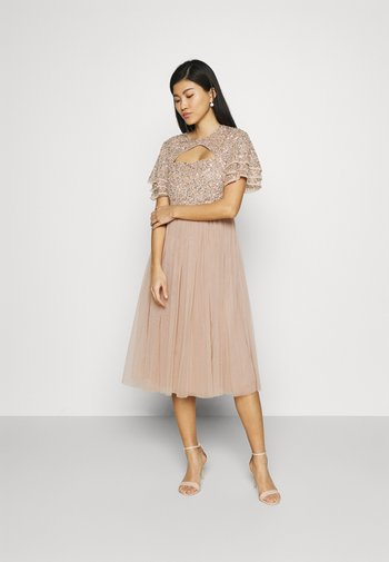 FLUTTER SLEEVE CUT OUT DELICATE SEQUIN MIDI - Cocktailkjole - taupe blush