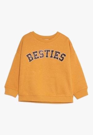 SAGE CREW - Sweatshirt - american cheddar/forever/drop