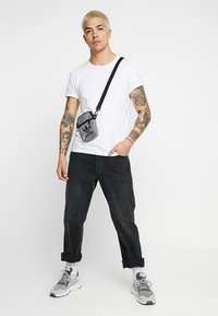 adidas Originals - MEL FEST BAG - Taška spříčným popruhem - black/white - 1