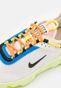 Nike Sportswear - REACT LIVE UNISEX - Trainers - sail/black/barely volt/grain - 5