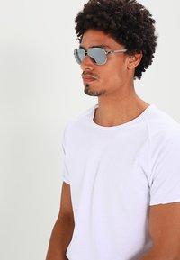Ray-Ban - Sunglasses - silver/crystal grey mirror - 1