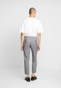Isaac Dewhirst - TROUSER - Trousers - mid grey - 2