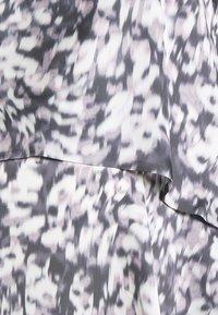 GLOWE - HIDE AND PEEK NURSING DRESS - Vapaa-ajan mekko - leopard print - 2