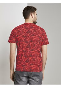 TOM TAILOR - Print T-shirt - pink grey leaf design - 3