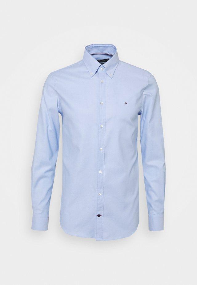 DOBBY SLIM - Chemise classique - light blue/white