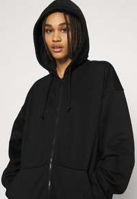 Weekday - HUGE ZIP HOODIE - Zip-up hoodie - black - 3