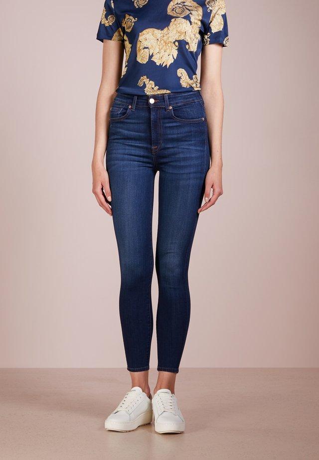 AUBREY ILLUSION LUXE STARLIGHT - Slim fit jeans - starlight