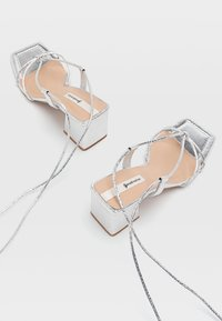 Stradivarius - Sandály na vysokém podpatku - silver - 3